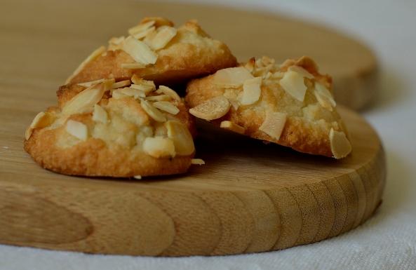 Almond Fancies. Gluten, dairy and sugar free.